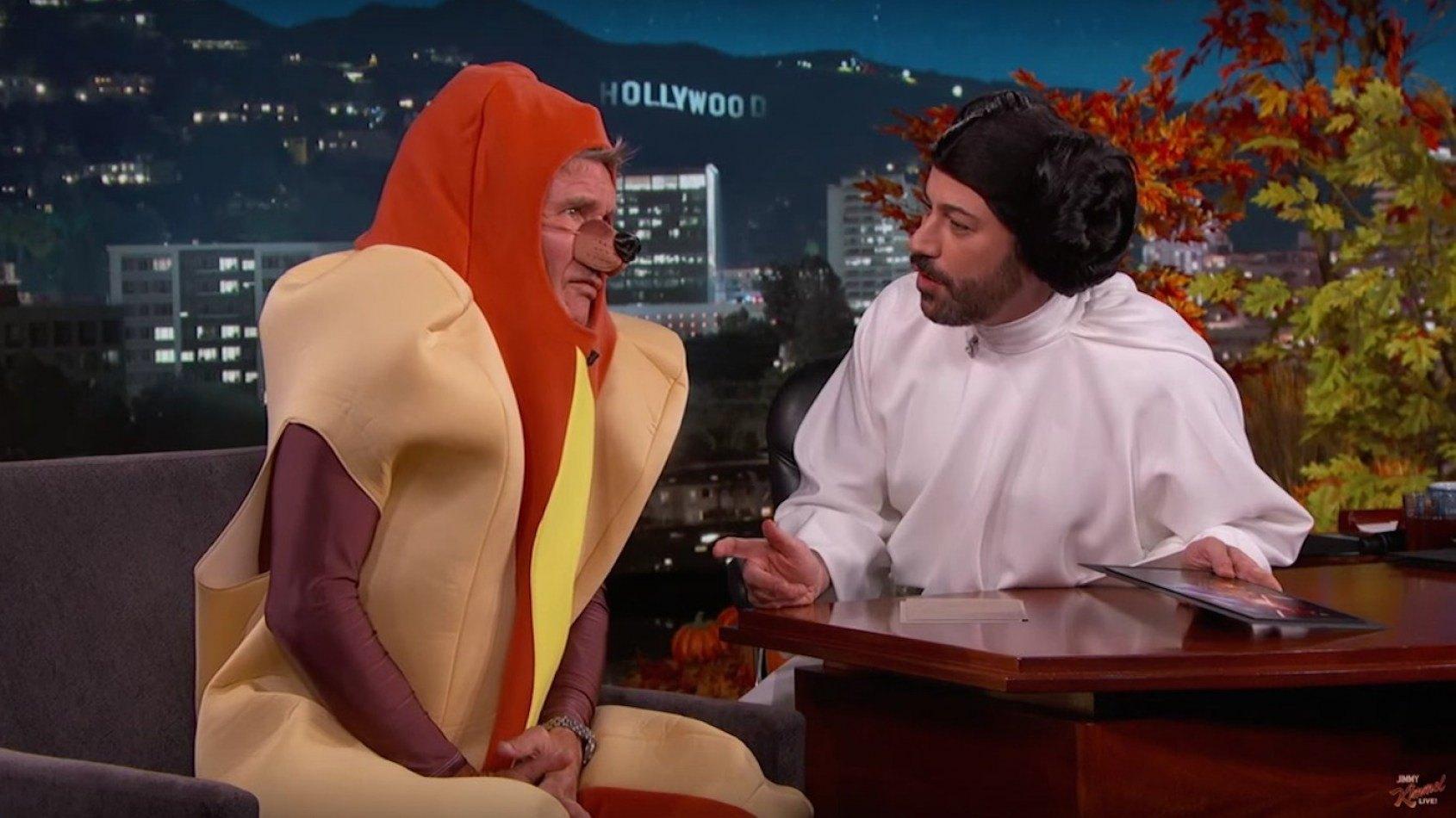 Harrison Ford parle du Réveil de la Force... déguisé en Hot Dog !
