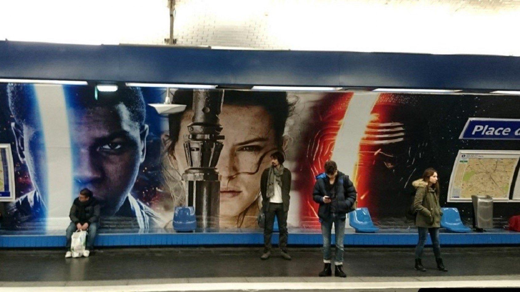 Le métro de Paris aux couleurs du Réveil de la Force