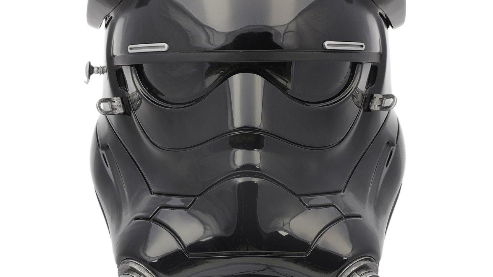 Anovos: casque de pilote de chasseur TIE du Réveil de la Force