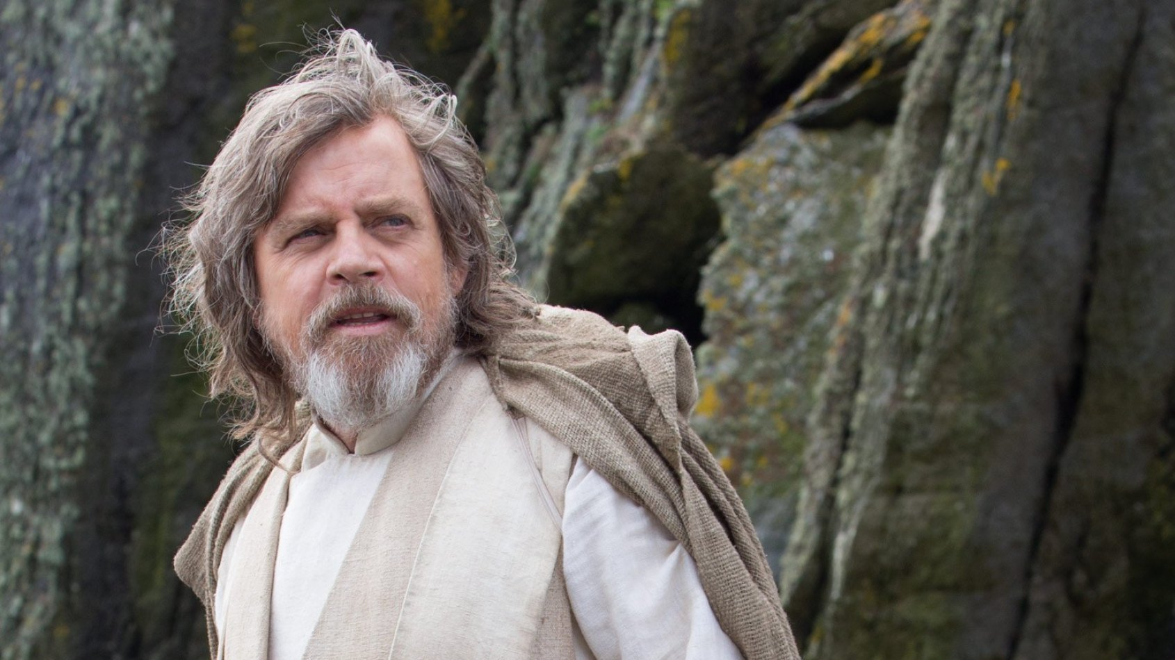 Rian Johnson tease le costume de Luke Skywalker dans l'Episode VIII