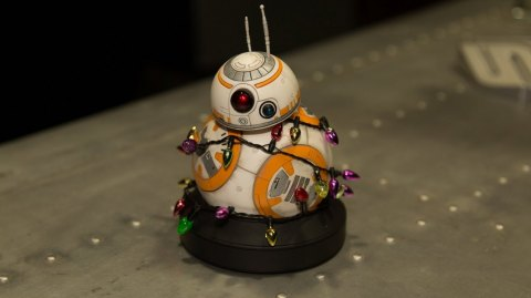Gentle Giant's 2016 Holiday Gift BB-8 Mini Bust!