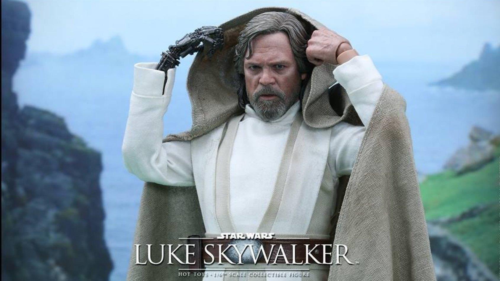 Hot Toys : La figurine de Luke Skywalker version Le R�veil de la Force