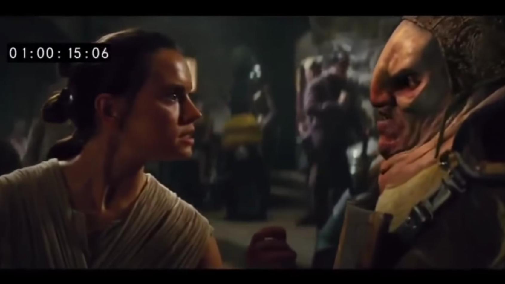 Chewbacca arrache le bras d'Unkar Plutt dans une scène coupée