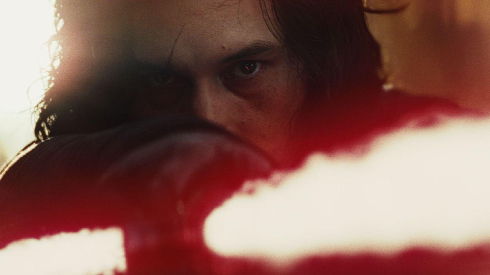 Les Derniers Jedi : La cicatrice de Kylo Ren ajustée