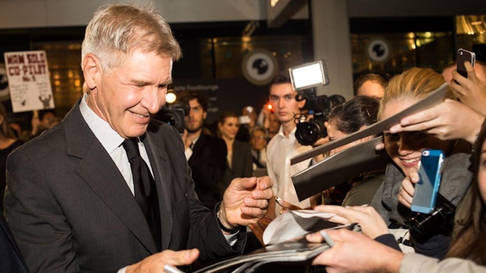 Official Pix: séance de dédicaces d'Harrison Ford
