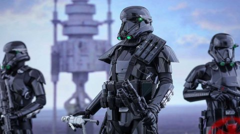 Le Death Trooper Deluxe est disponible chez Hot Toys