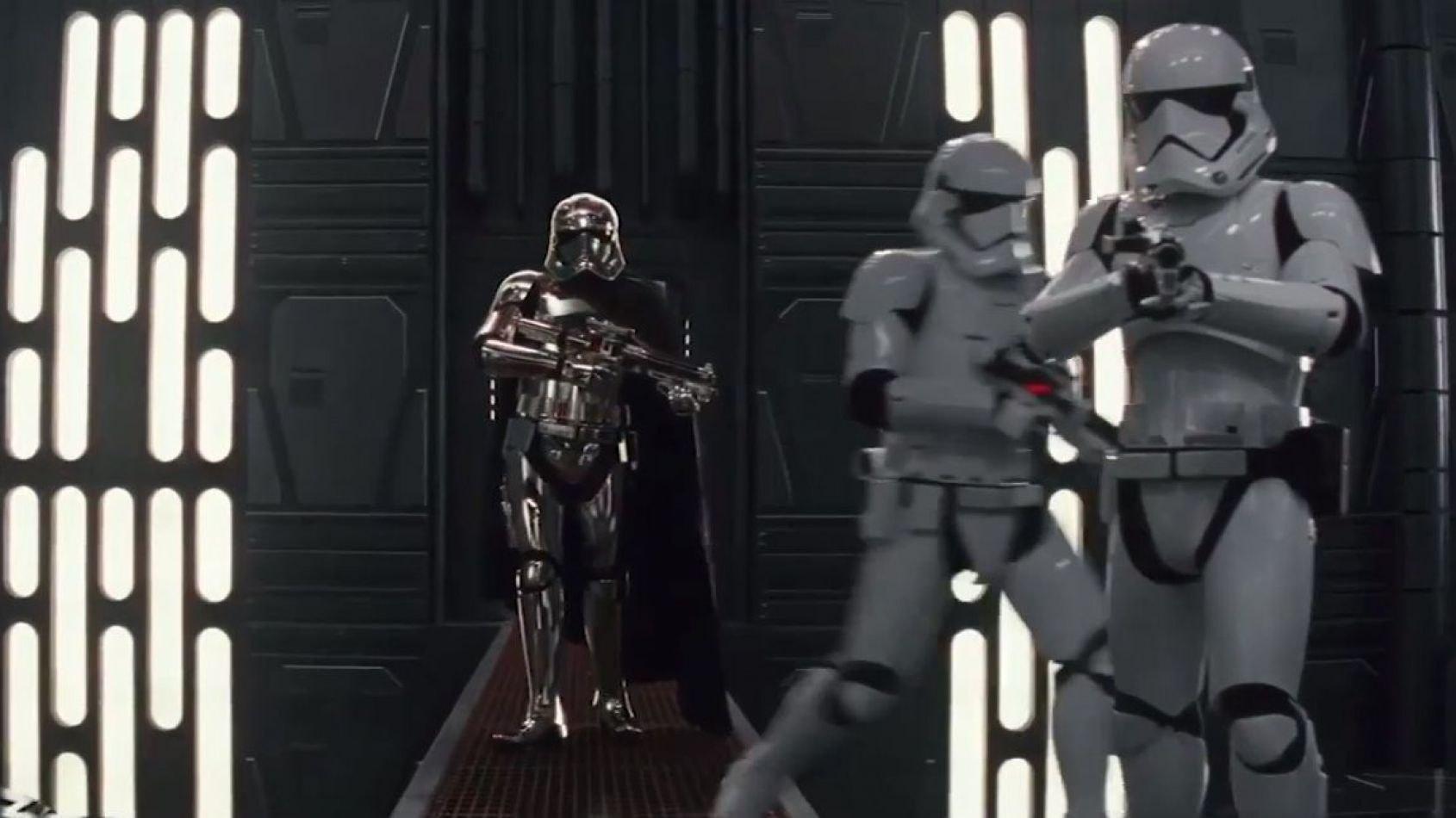 Phasma et Chewbacca au coeur d'un nouveau spot TV des Derniers Jedi
