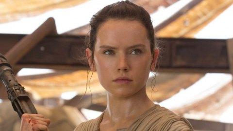 Rey (Pilleuse d'épaves) personnage du mois dans Galaxy Of Heroes