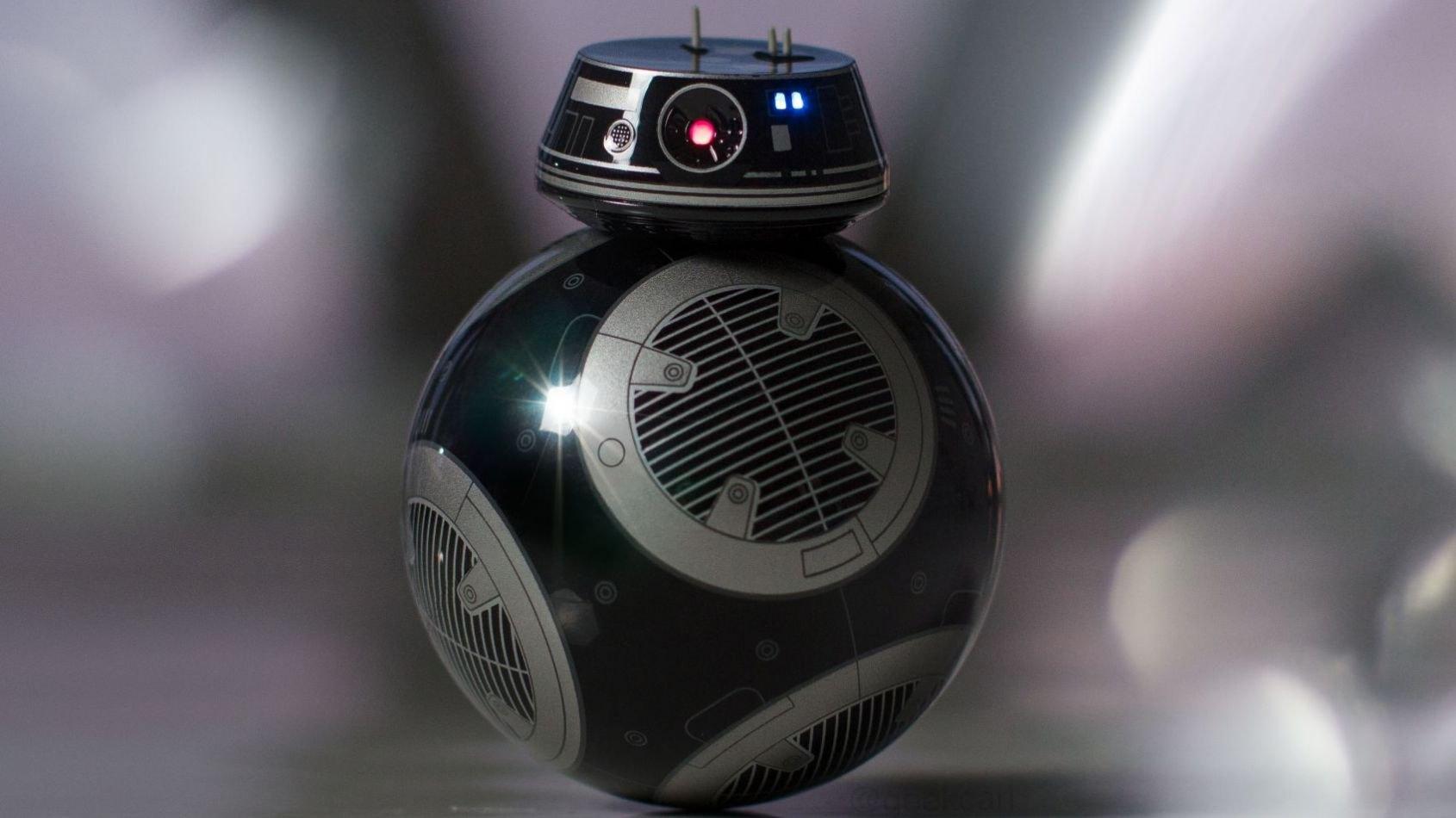 Confrontation entre BB-9E et BB-8 dans un spot publicitaire Verizon !