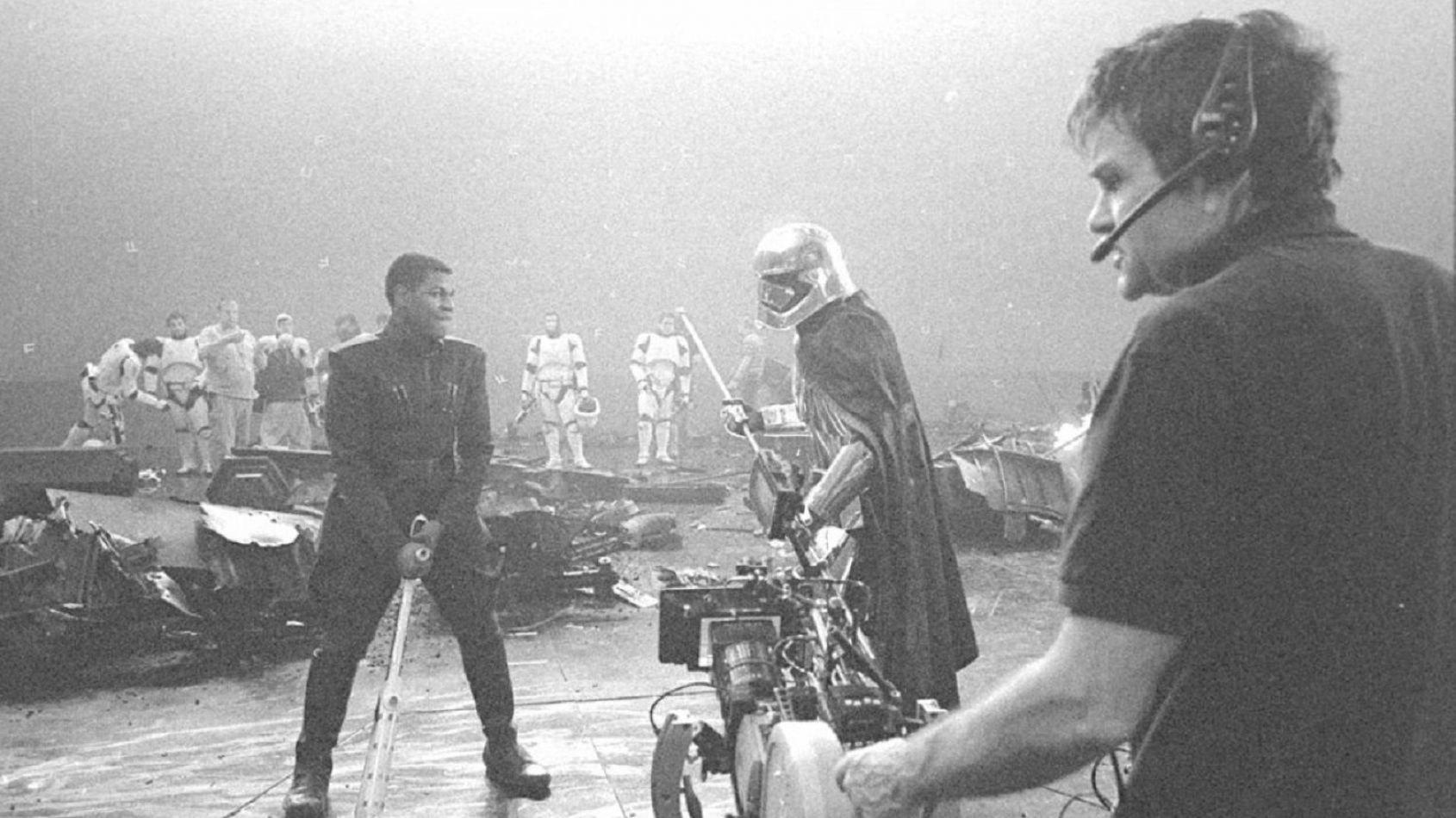 Les photos de tournage des Derniers Jedi dans un livre?