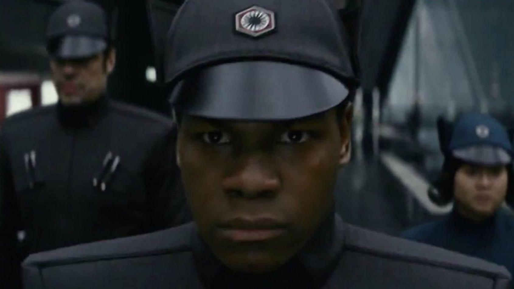 Le costume  d'officier du Premier Ordre en précommande chez ANOVOS !!