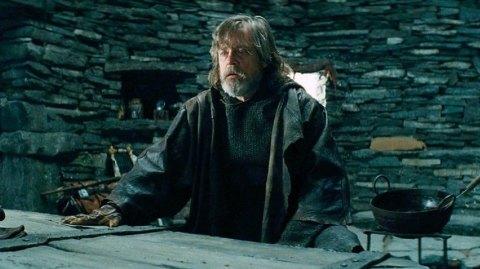 Des détails sur 5 scènes coupées des Derniers Jedi