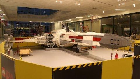 X-Wing de 10m en Lego au Qwartz Paris