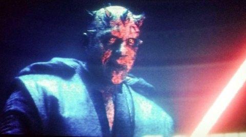 Le doubleur de Dark Maul dans l'épisode I a été remplacé pour Solo